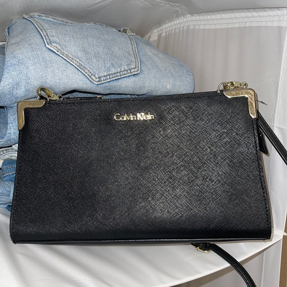 Calvin Klein side body bag